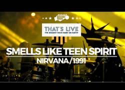 Enlace a 1000 músicos tocando a la vez Smells Like Teen Spirit en perfecta sincronía