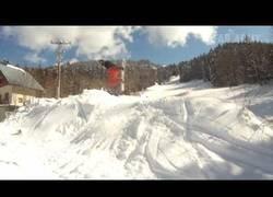 Enlace a Cuando alguien practica snow o surf siempre es bueno tener una cámara a mano para captar estos fail