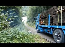 Enlace a Los terribles daños que recibe un camión al impactar con otro