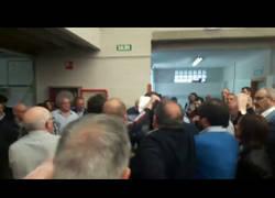 Enlace a Estudiantes expulsados violentamente del mitin de Susana Díaz por pedir bajar las tasas