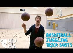 Enlace a Baloncesto + malabares + trucos increíbles = ÉPICO