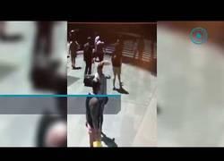 Enlace a Las cámaras de seguridad grabaron el atropello masivo en New York