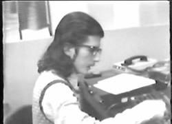 Enlace a Ordenando una pizza por teléfono con un ordenador parlante (1974)