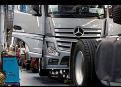 Enlace a Así es la producción del Mercedes Actros