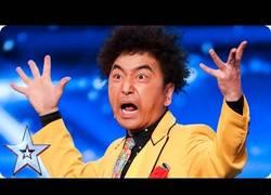 Enlace a Este japonés hace un truco de magia BRUTAL con cuchillas en Britain's Got Talent