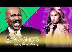 Enlace a Niña de 3 años canta la sirenita, ¡qué gran interpretación!