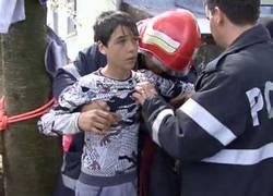 Enlace a Un niño se ofrece voluntario para salvar a otro que había caído en un pozo en Rumanía