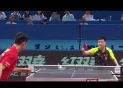 Enlace a Aquí pueden observar a Zhang Jike también conocido como el Cristiano Ronaldo del tenis de mesa