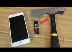 Enlace a Esto esconde en su interior el teléfono más pequeño del mundo