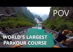 Enlace a La pista de parkour más grande del mundo está en China y es flipante