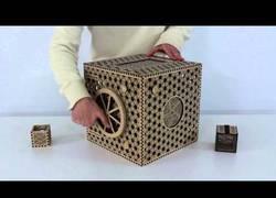 Enlace a La enigmática caja puzzle de madera con multitud de pasos para abrirla