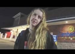 Enlace a Esta mujer acusa a un policía de acoso sexual por arrestarla
