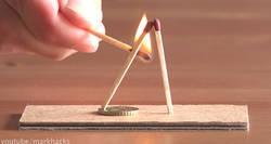Enlace a El genial truco de dos cerillas y una moneda