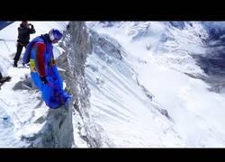 Enlace a Valery Rozov pasará a la historia por ser el primer saltador base en saltar desde el monte Huascarán