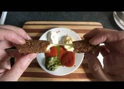 Enlace a [Inglés] No, no sabes cocinar, pero aquí te enseñan a hacer unos sticks de mozzarela decentes
