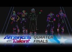 Enlace a Light Balance ilumina el escenario de America's Got Talent con su brillante baile en la oscuridad