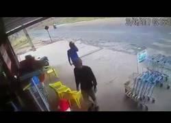 Enlace a Dos ladrones se despistan en pleno robo y terminan muertos