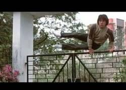 Enlace a La recopilación que esperabas: Jackie Chan saltando vallas