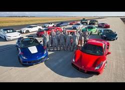 Enlace a Un Tesla gana a un Ferrari, a un Porsche y a otros superdeportivos en una carrera de 400 metros