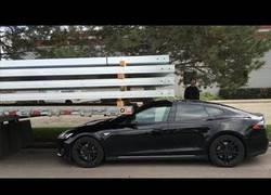 Enlace a Compilación de videos donde el autopiloto del Tesla predice accidentes