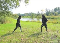 Enlace a Poniendo en práctica las diferentes técnicas de lucha medievales