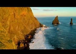 Enlace a Así es Islandia vista desde un dron