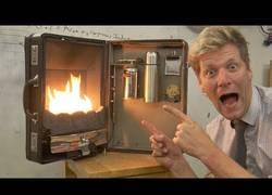 Enlace a Colin Furze inventa una barbacoa portátil para varios usos