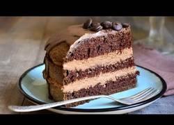 Enlace a Cocinando una deliciosa tarta vegana que nadie podrá resistirse a no probar