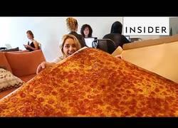 Enlace a Esta es la pizza más grande que se ha entregado jamás y mide 137x137 centímetros