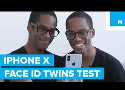 Enlace a Dos pares de gemelos prueban el reconocimiento facial del iPhone X y esto es lo que ocurre