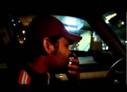 Enlace a El taxista brasileño que canta como Michael Jackson...¡mientras conduce!