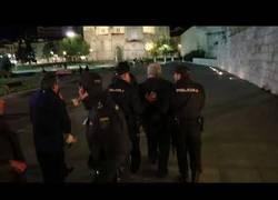 Enlace a Esta es la reacción de feministas contra un machista en Valladolid