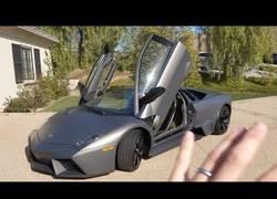 Enlace a Este Lamborghini cuesta dos millones de dólares y este es el motivo