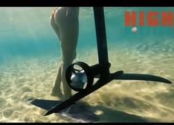 Enlace a La tabla que te hace surfear flotando sobre el agua