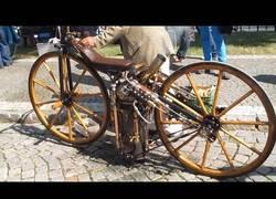 Enlace a La primera moto que existe con este mecanismo