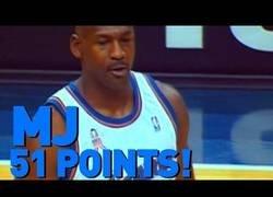 Enlace a El día que Michael Jordan anotó 51 puntos con 38 años