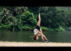 Enlace a Ella es la mejor saltadora de comba del mundo y es un placer verla