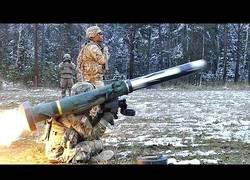 Enlace a El increíble lanzamiento de un misil Javelin a cámara lenta