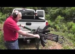 Enlace a Crean la Gatling definitiva a base de AK-47