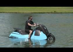 Enlace a Crean la Biski, la moto anfibia para viajar por tierra o agua