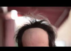 Enlace a Cuando te quedas calvo haces verdaderas locuras con tu cabeza