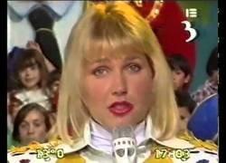 Enlace a Así se despidió Xuxa de su programa un día en 1993 con niños delante