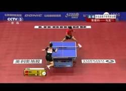 Enlace a Nadie es capaz de derrotar a la bestia china del tenis de mesa, Ma Long, aplasta a todos.