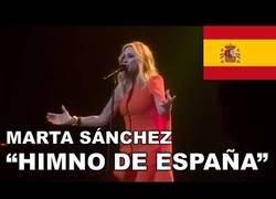 Enlace a Marta Sánchez revoluciona todo presentando la letra del