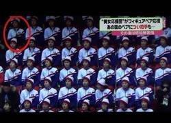 Enlace a Una norcoreana la lía en los Juegos de Invierno aplaudiendo a Estados Unidos