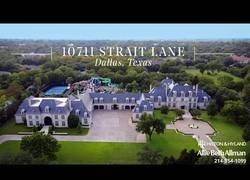 Enlace a Esta mansión está valorada en 20 millones de dólares y la visitamos por dentro y por fuera