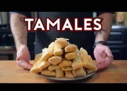 Enlace a Cocinando esos deliciosos Tamales vistos en la película Coco