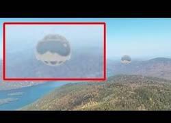 Enlace a Localizan una extraña esfera en el Lago George con Google Maps que parece un UFO