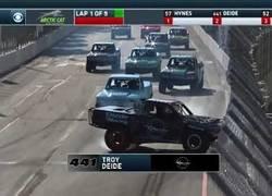 Enlace a Los momentos más flipantes de la competición de Super Trucks