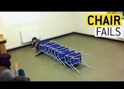 Enlace a La gente que no sabe usar una silla